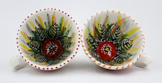 Große Kaffeetasse aus Keramik mit Mohnblumen