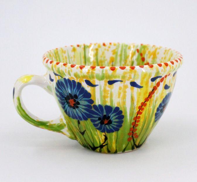 Handgefertigte Teetasse aus Keramik mit Kornblumen