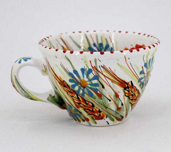 Getöpferte Tasse mit Ährchen, bemalt