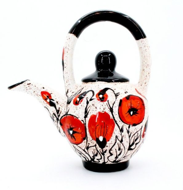 Nice teapot - poppies on the snow
