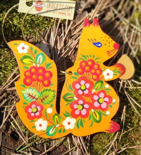 Weihnachtsanhänger - Rotes Eichhörnchen mit Blumenmuster