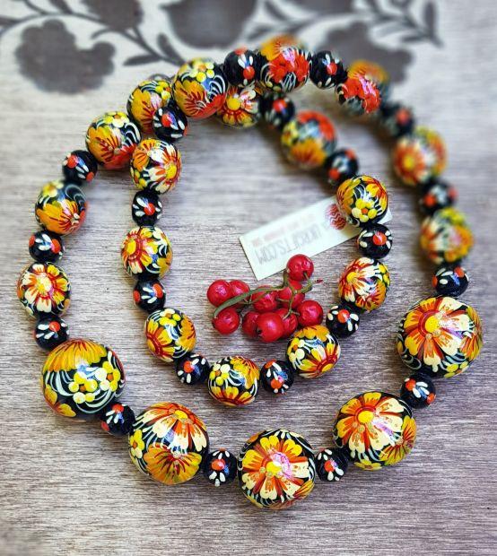Halskette aus Holz - Folklore Schmuck mit der Petrykiwka Malerei