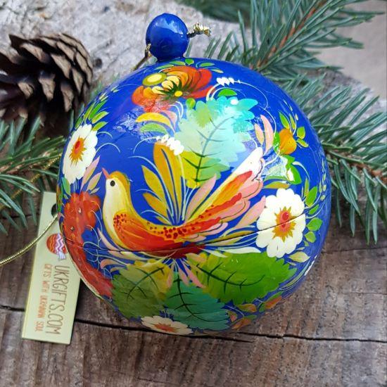 Handbemalte Christbaumkugeln aus Holz mit dem Vogel, zum öffnen