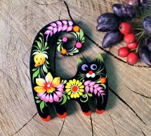 Black cat - fridge magnet hand painted with flowers