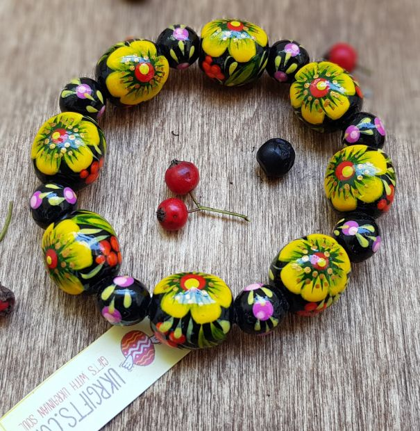 Bracelet beaded wooden on the elasic band, hand made, folk fashion, ukrainian style