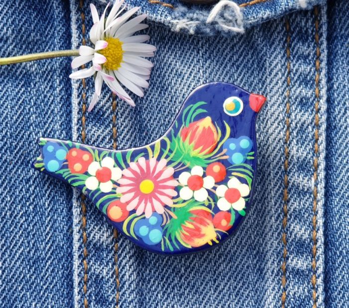 """Pin made of wood """"Bird"""" hand painted in traditional ukrainian style"""