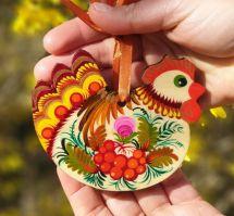 Rustikale Osterdeko aus Holz - Henne - zartbemalt