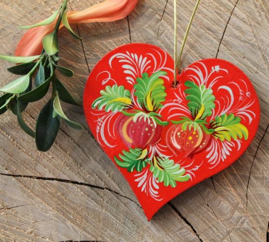 Fancy tree decoration heart traditionall hand painted