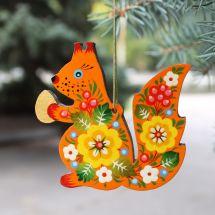Für den Kinderweihnachtsbaum beidseitig bemaltes Eichhörnchen