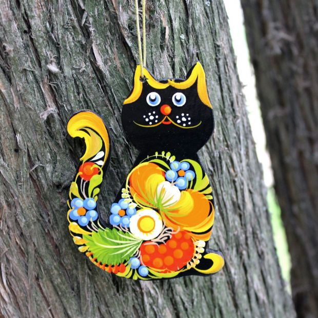 Christmas tree ornaments -funny cat and hegehog-hand painted wooden decorations