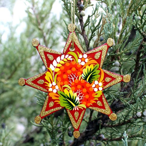 Rot-goldener Weihnachtsbaumschmuck Sterne aus Holz - ukrainisches Kunsthandwerk