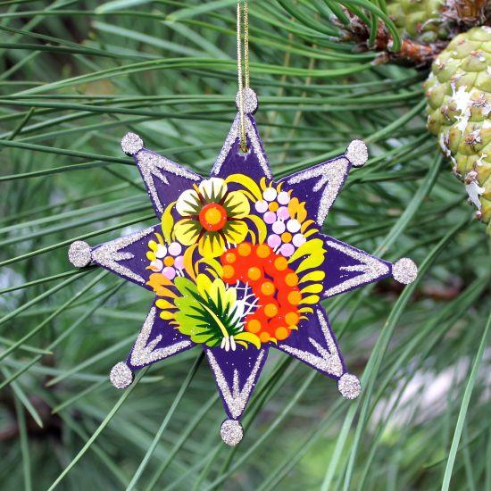 Blau-silberner Weihnachtsschmuck Stern aus Holz - traditionelles Kunsthandwerk
