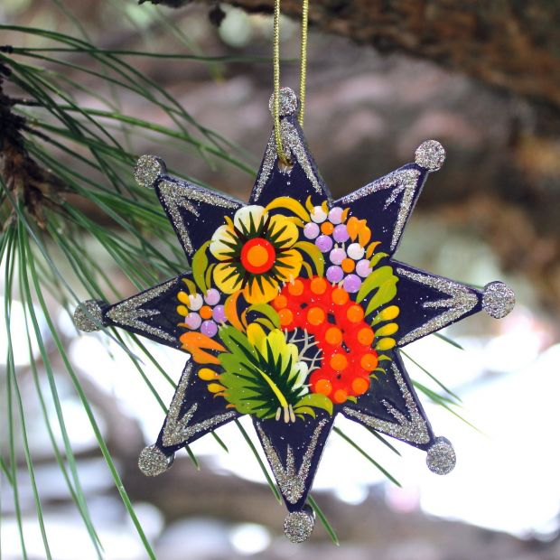 Blue and silber Christmas tree decorations star made of wood - Ukrainian Art