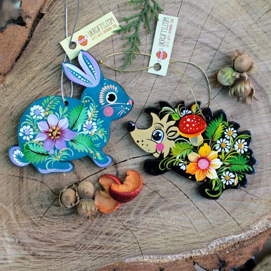 Animal tree ornaments -Hegehog and bunny, delicate painted