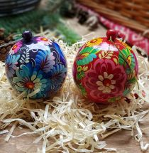 Hand painted wooden christmas balls big size, each ball is a box for small christmas gift, 8 cm