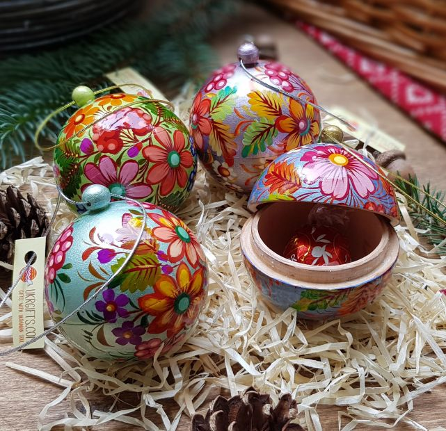 Hand painted small christmas balls set, each ball is a box for small christmas gift, wood, 5.5cm