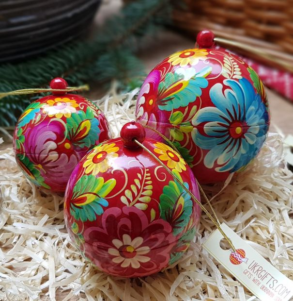 Christmas tree balls set, each ball is a box for small Christmas gift, wooden hand painted ornaments (8,7 and 5.5 cm)
