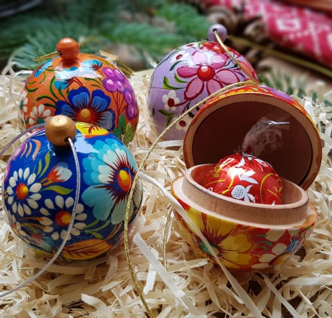 Set of hand painted small christmas balls ornaments, each ball is a box for small christmas gift, 5.5cm