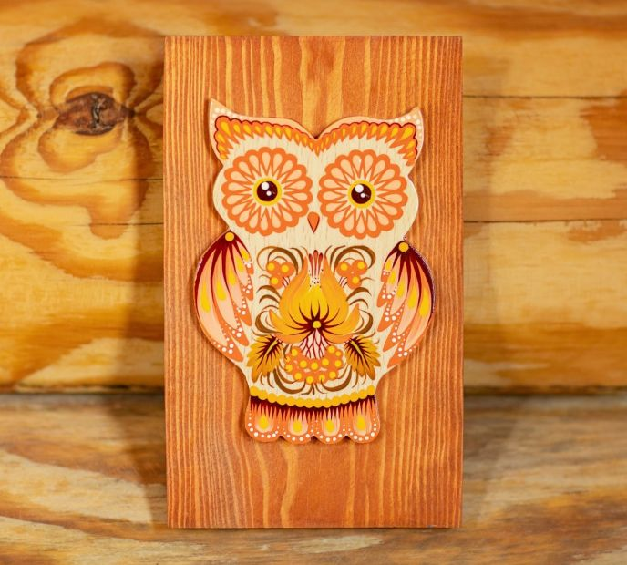 Sunny owl wall decoration hand painted in Orange