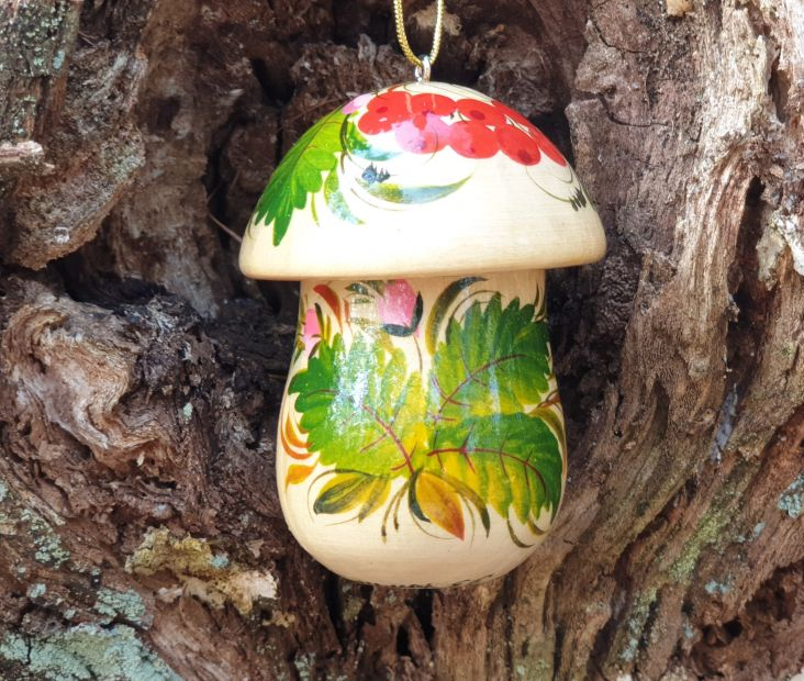 Handicraft mushroom Christmas ornament and small present box, made of wood and hand painted