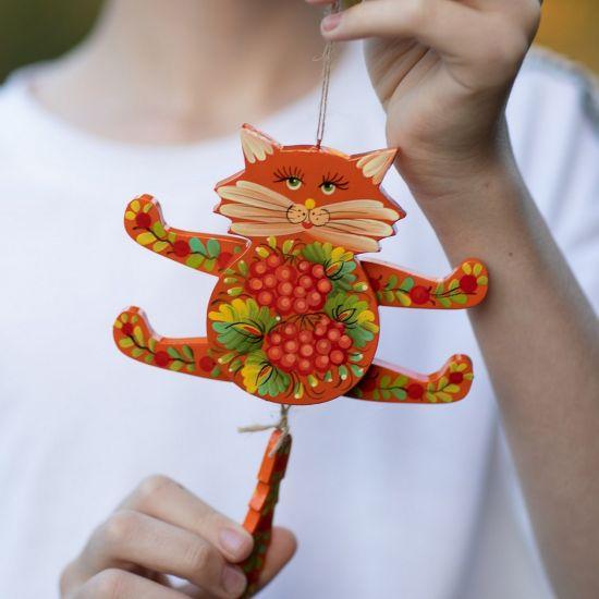 Rote Katze - Hampelmann aus Holz - Wanddeko für Kinderzimmer