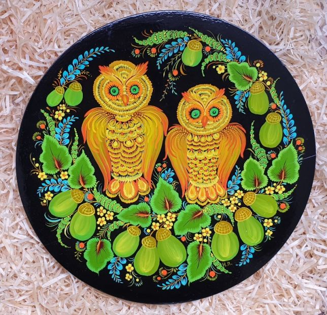 "Hand painted wooden plate, rustic wall decoration ""Owls with acorns"", ukrainian Petykivka painting"