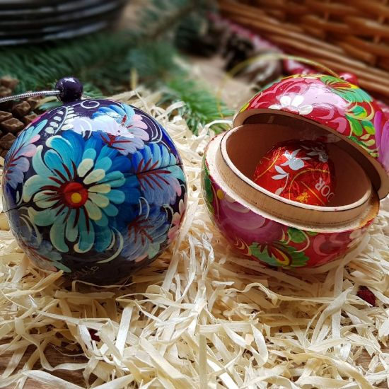 Wooden Christmas ball and a box for small presents, hand painted, 8 cm