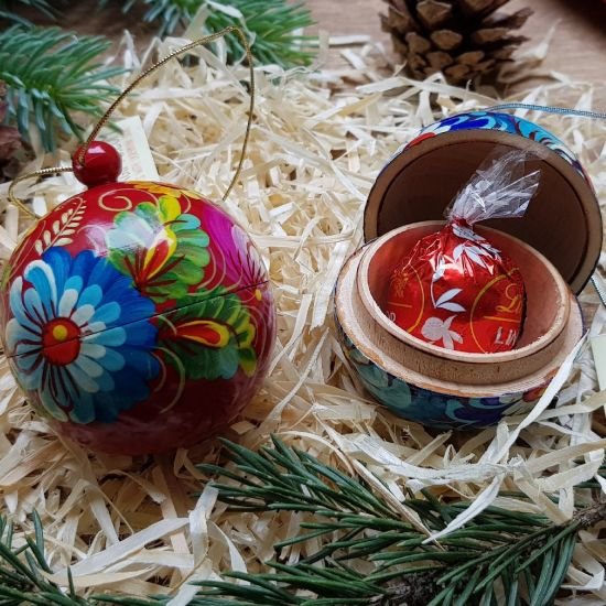 Set of 2 hand painted small christmas balls ornaments, each ball is a box for small christmas gift, 5.5cm