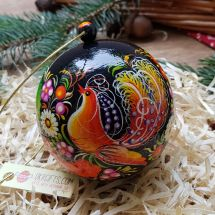 Christmas tree ball and a wooden box for present, fine painted, 8 cm