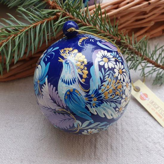 Handbemalte Weihnachtskugel aus Holz mit schönem Vogel, 8-8.5 cm