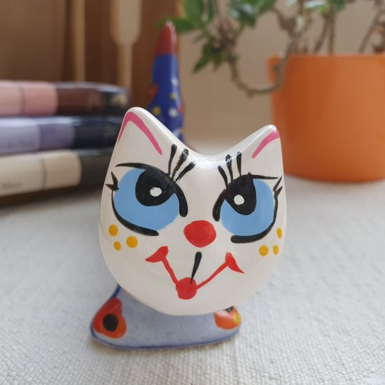 Long ceramic cat decoration without function, just funny