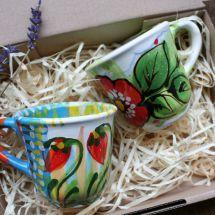 Schöne Kaffeetassen Set aus Ton mit Blumenmuster -handarbeit