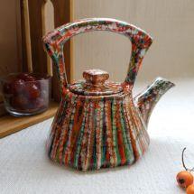 Originelle handbemalte Teekanne aus Keramik