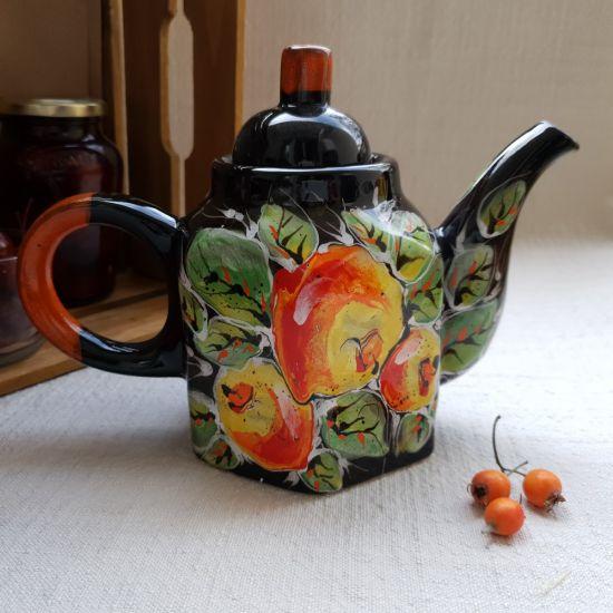 Design Teekanne aus Keramik mit Äpfelmuster