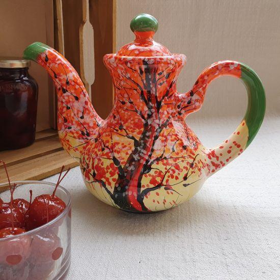 Hand bemalte Teekanne aus Keramik mit Herbst Motiv