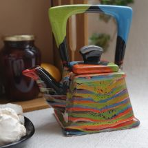 47/5000 Design clay teapot with abstract painting