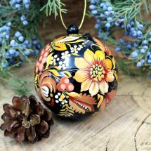 Exklusive Christbaumkugeln bunt bemalt mit Blumenmuster, aus Holz zum öffnen, 8-8.5cm