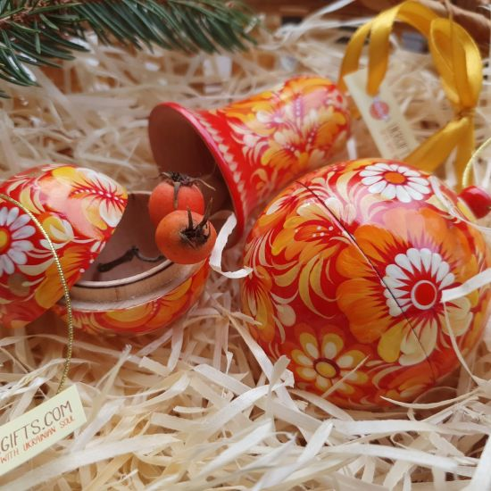 Red hand painted christmas balls and christmas bell, wooden and light (8, 5.5 cm)