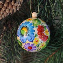 Besondere Christbaumkugel handbemalt im bunten ukrainischen Stil aus Holz