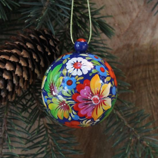 Small Christmas wooden ball openable  - with flowers pattern, 5.5cm