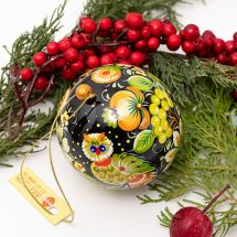 Hand painted wooden Christmas balls with owl motif