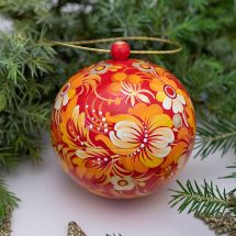 Exlusive hand painted Christmas ball made of wood, openable