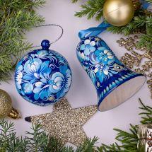 Handgemachter Weihnachtsschmuck - Set, Weihnachtskugel und Glöckchen, Blau