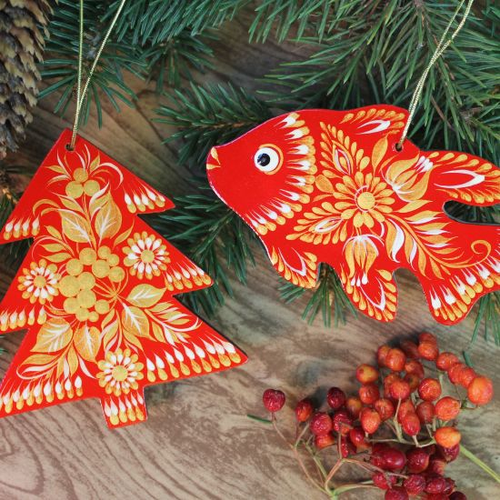 Red star Christmas tree ornament hand painted
