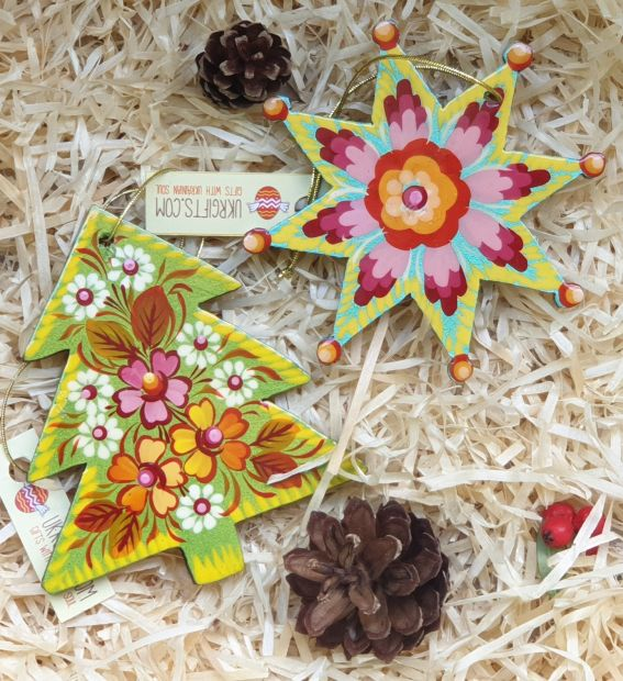 Hand painted christmas star ornament, Petrykivka hand painting