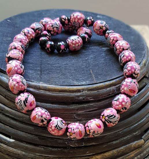 Beaded necklace pink and black, wooden jewelry with flowers painting