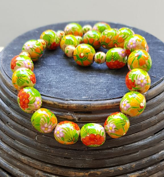 Folk fashion wooden bead necklace, hand painted