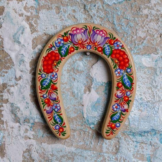 Hufeisen aus Holz,  Glücksbringer für Zuhause, traditionelles Kunsthandwerk