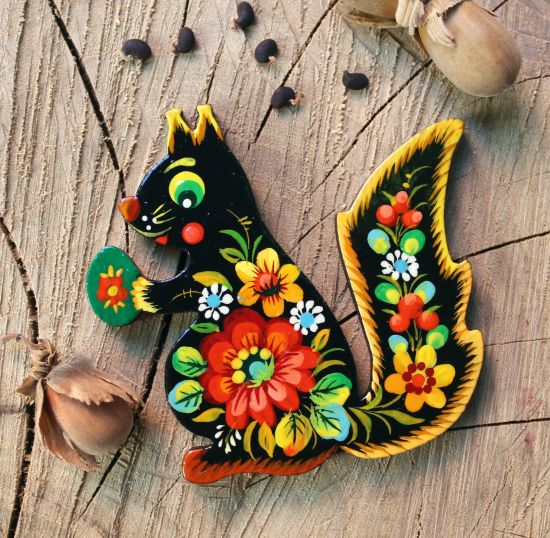Animal fridge magnet - Squirrel - pretty hand painted on wood