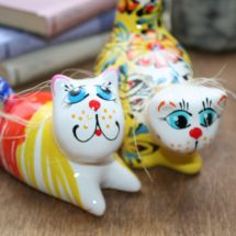 Verliebtes Pärchen - Kater und Katze - Keramik Dekoration - lustige Katzen - Valentinstag Geschenk